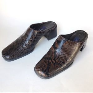 Vintage 90s Y2K Leather Mules Snake Reptile 7.5